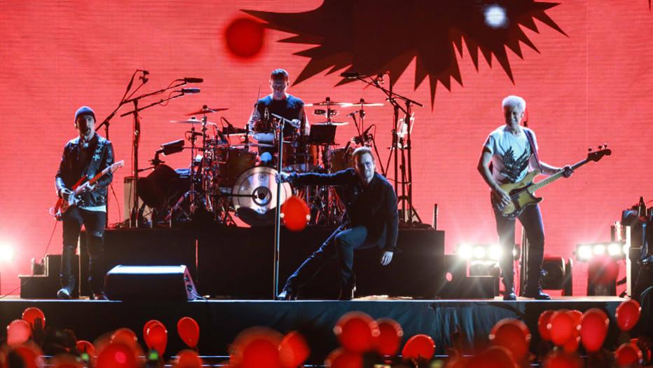 U2 Primeiro show da turnê JoshuaTree da banda U2, no Estádio do Morumbi, em São Paulo. Foto: Tiago Queiroz / Estadão